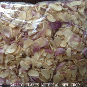 2016 New Crop Dehydrated Garlic Flakes pictures & photos