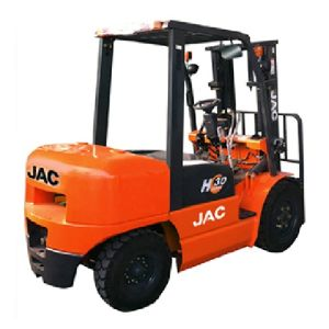 Professional Supplier of Diesel Forklift 3ton pictures & photos