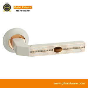 High Quality Zinc Alloy Door Handle on Rose (R102-Z143) pictures & photos
