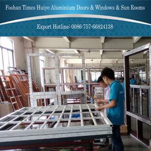 Fashion Color Aluminum Sliding Window with Protective Grid (Fence) pictures & photos