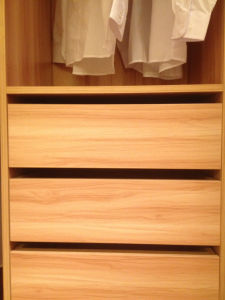 Wood Material Three Doors Wardrobe (zy-006) pictures & photos