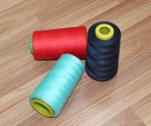 Colourful Spun Polyester Sewing Thread with Polyester Dyed Yarn OEM pictures & photos