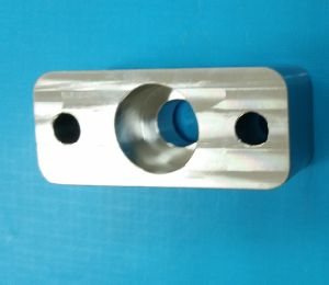 CNC Machined Aluminum Steering Arm Knuckle with Custom Anodized pictures & photos
