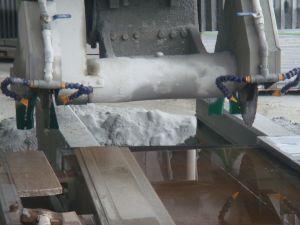 Dnfx-1800 (CNC) Automatic Stone Bridge Profiling Linear Gantry Cutting Machine for Decorative Line pictures & photos