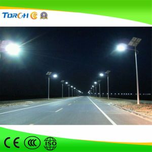 Hot Various Size 40W-120W LED Factory Price Solar Street Light Factory Price pictures & photos