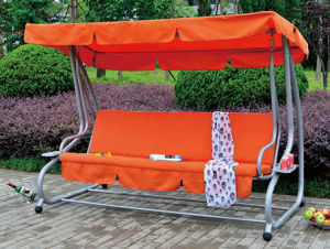 Metal Swing Chair Garden Swing with Thick Bed Cushion pictures & photos