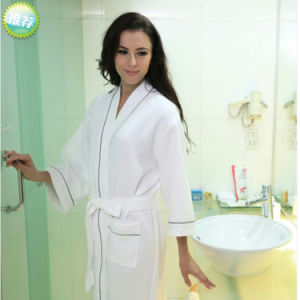 Hotel/Home Waffle Bathrobe /Pajama /Nightwear pictures & photos