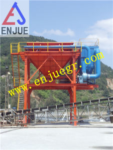 Port Hot Sell Global Service Rubber Tyre Moving Dedusting Hopper with Dust Collecter pictures & photos