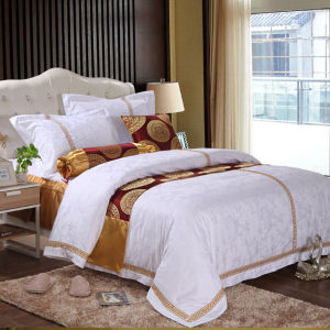 White Cotton Jacquard Embroidery Duvet Cover for 3 Star Hotel pictures & photos