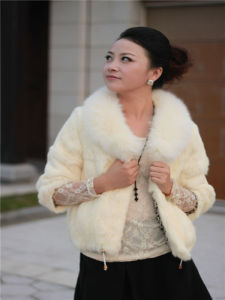 Women′s Fashion Fur Coat OEM, Fashion, New Styles, White pictures & photos