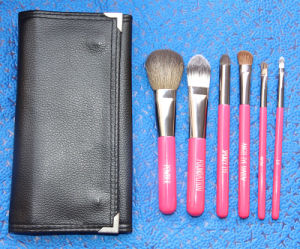 High Quality Beautiful Tools Rose Red Makeup Brush Set 6 Pieces pictures & photos