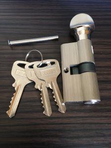 Zinc Alloy Door Handle Lock (C85-15) pictures & photos