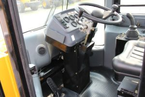 Hydraulic Joystick Wheel Loader Zl50g with Air Condition pictures & photos