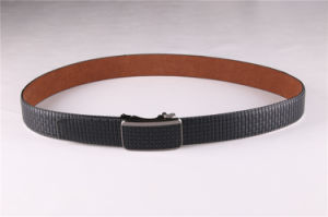 Factory Customized Embossing Genuine Leather Belt for Men pictures & photos
