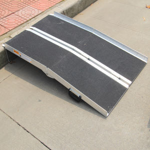 Aluminum Folding Portable Wheelchair Ramp pictures & photos