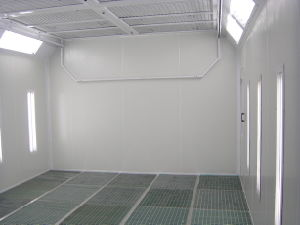 Custom Design Painting Booth Car Spray Booth pictures & photos