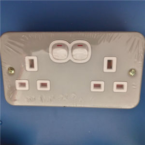 UK Style Double Wall Switch and Sockets (W-072) pictures & photos