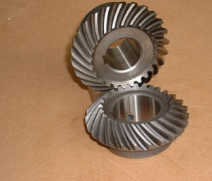 Small Spiral Crown Wheel Pinion Bevel Gear pictures & photos