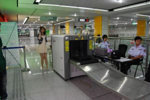 Subway Station Usage X Ray Luggage Security Equipment Xj6550 pictures & photos