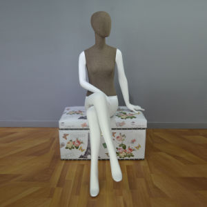 Faceless Sitting Female Mannequin in Linen Wrapped pictures & photos