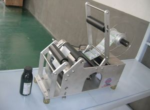 Semi Automatic High Speed Bottle Labeling Paging Machine pictures & photos