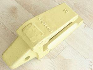 Komatsu Bucket Teeth Adapter (207-934-7120) pictures & photos
