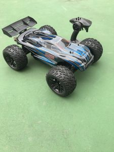 1/10 Scale 2 Channel Transmitter RC off Road Car Model 2.4GHz Electric Brushless pictures & photos