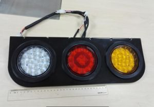 Tail/Stop/Turn Signal Reflector Lamp Lt-110-C E4 Adr Certificated pictures & photos