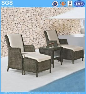 Outdoor Garden Furniture Balcony Rattan Sofa Chair with Footrest pictures & photos