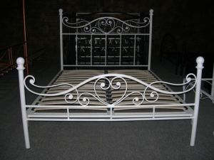Iron Bed (BE3013)