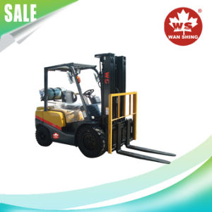 1.5-4t Gasoline-LPG Duel Fuel Forklift Truck with Nissan K21 Engine pictures & photos