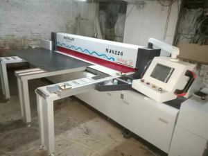 Automatic Woodworking Cutting Panel Saw Machine pictures & photos