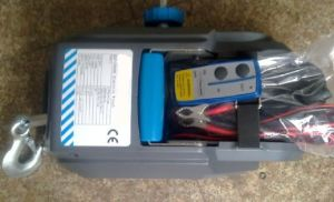DC12V Electric Winch for Car and Boat 2000lbs (LD-2000G) pictures & photos