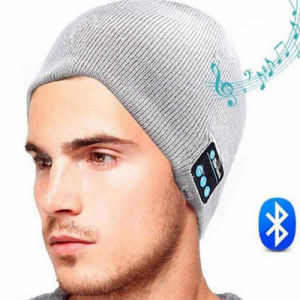 2016 New Design Fashion Winter Women Men Knitted Wireless Phone Bluetooth Beanie Hat with Stereo Headphone pictures & photos