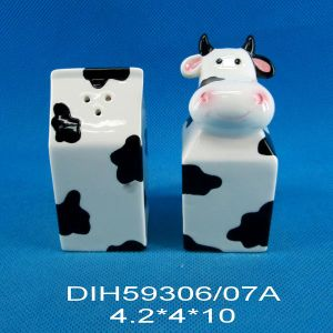 Ceramic Cow Salt and Pepper Shakers Set pictures & photos