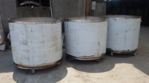 Stainless Steel Movable Storage Tank with Universal Wheels pictures & photos