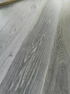 Chemical Treatment Aged Oak Wide Plank Rustic Engineered Flooring pictures & photos