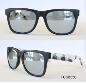 Stylish High Quality Lamination Acetate Sunglasses for Young Lady pictures & photos