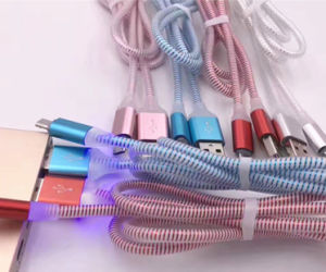 OEM Logo Upgrade 3FT/1m LED Flash Colorful USB Data Cable for All Smart Mobile Phone pictures & photos