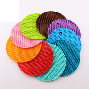 2017 Hot Selling Extra Thick Silicone Trivet Mat pictures & photos