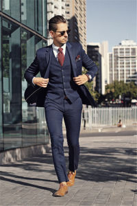 Double Breasted Slim Fit Custom Men′s Suits Tuxedo pictures & photos