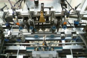 Automatic Cardboard Boxes Die Cutting Creasing Machine pictures & photos