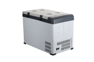42L DC 12/24V Chest Mini Car Refrigerator with AC Adaptor for Camping pictures & photos