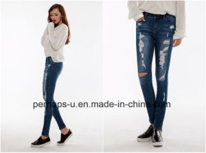 Wholesale Women Garment High Quality Ripped Denim Jeans pictures & photos