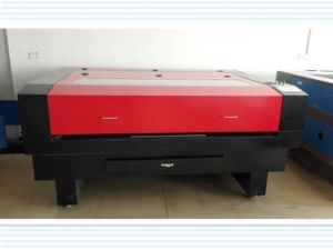 Hot Sell Laser Cutting and Engraving Machine for MDF/Fabric pictures & photos