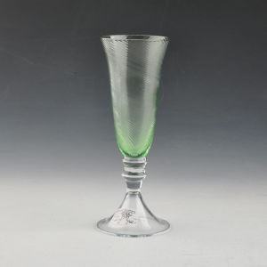 Mouth Blown Green Embossed Glass Champagne Flute pictures & photos