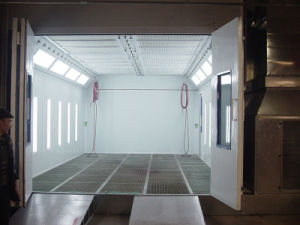 Water-Based Garage Paint Car Spray Booth pictures & photos