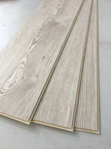 WPC Vinyl Flooring Planks with Registered Embossing (EIR) pictures & photos