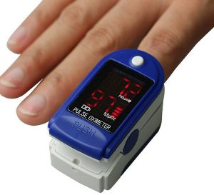 Low Price LED Display Finger Pulse Oximeter pictures & photos