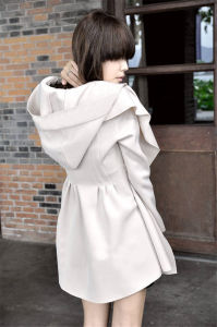Ladies Overcoat Designs Glengarry Long Sleeve Trench Coat Fabric Woman Coat pictures & photos